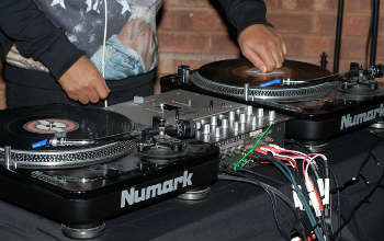 DJ turn tables